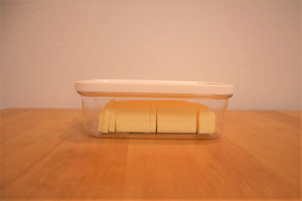 バターを最初に5gずつ切れる道具が、使うたびに銀紙を広げなくていいからめちゃ便利